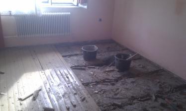 ...a všetky podlahy von...