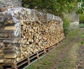 dřevo je už na svém místě :-)