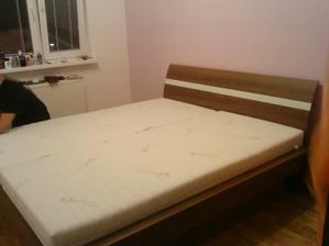 postielka uz i s matracmi