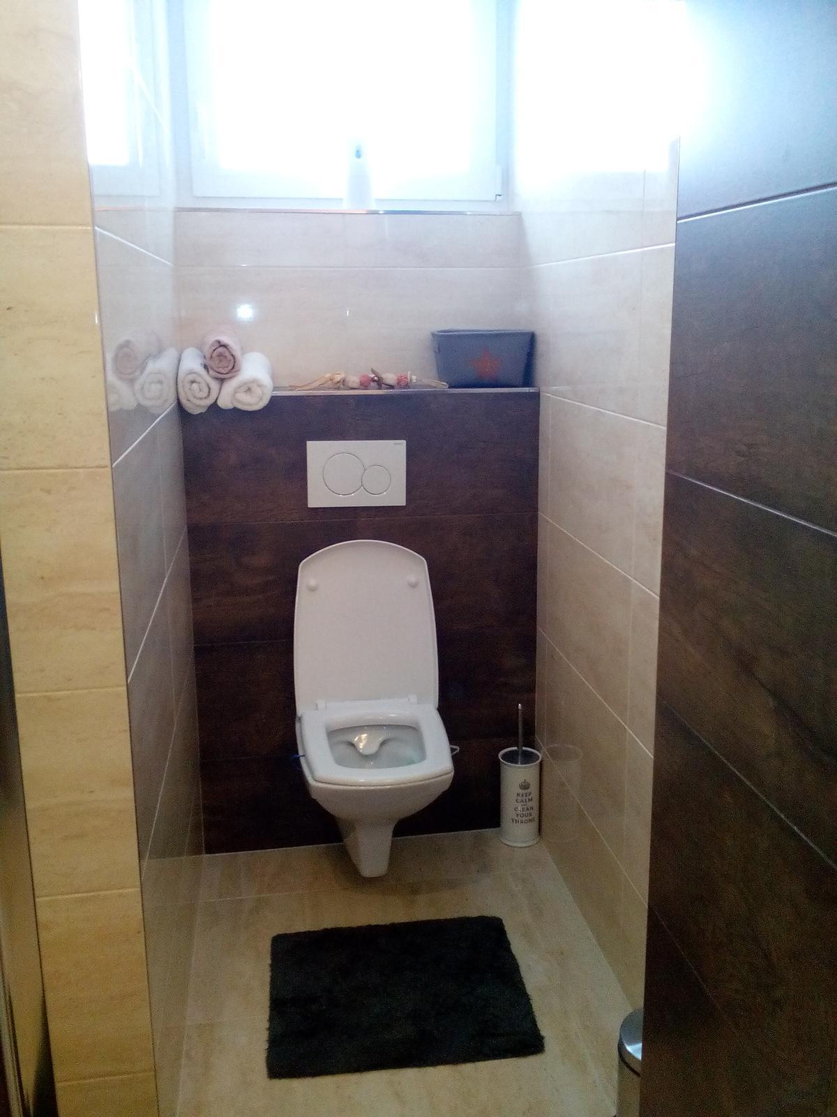 Náš šťastný domov :) - ......a dolná kúpeľňa - hosťovská....