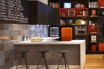 moderná kuchynka s barovým sedením...
