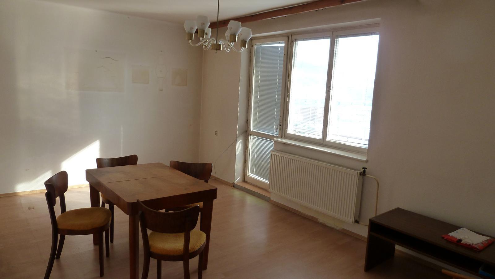Projekt: Nové bývanie ... - ... budúca obývačka s jedálňou ...