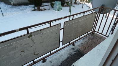 ... 3 a pol metrový balkón z ktorého bude časom teraska...