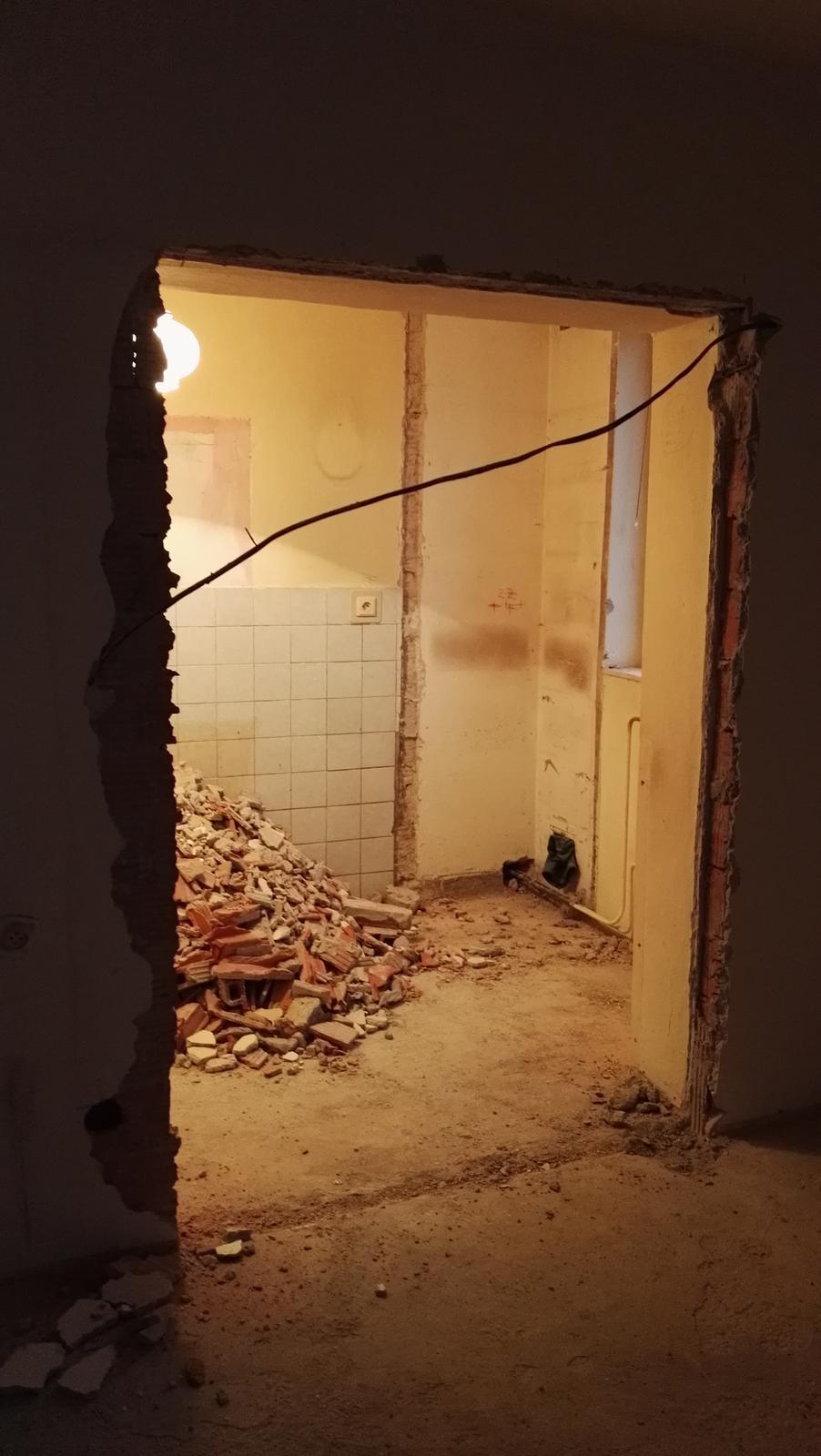 Projekt: Nové bývanie ... - ... nový vchod do kuchyne ...