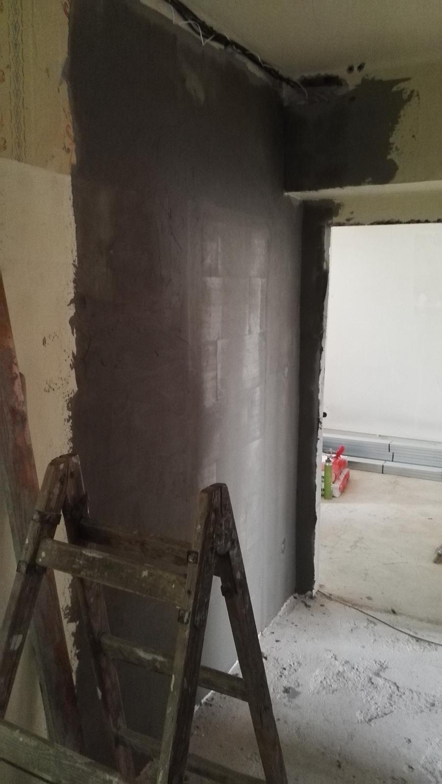 Projekt: Nové bývanie ... - ... dvere z chodby do kuchyne zamurované ...