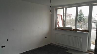 ... aj spálňa vymaľovaná, chýba už len podlahu položiť...