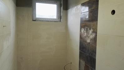... aj na kúpeľni sa pracuje ...