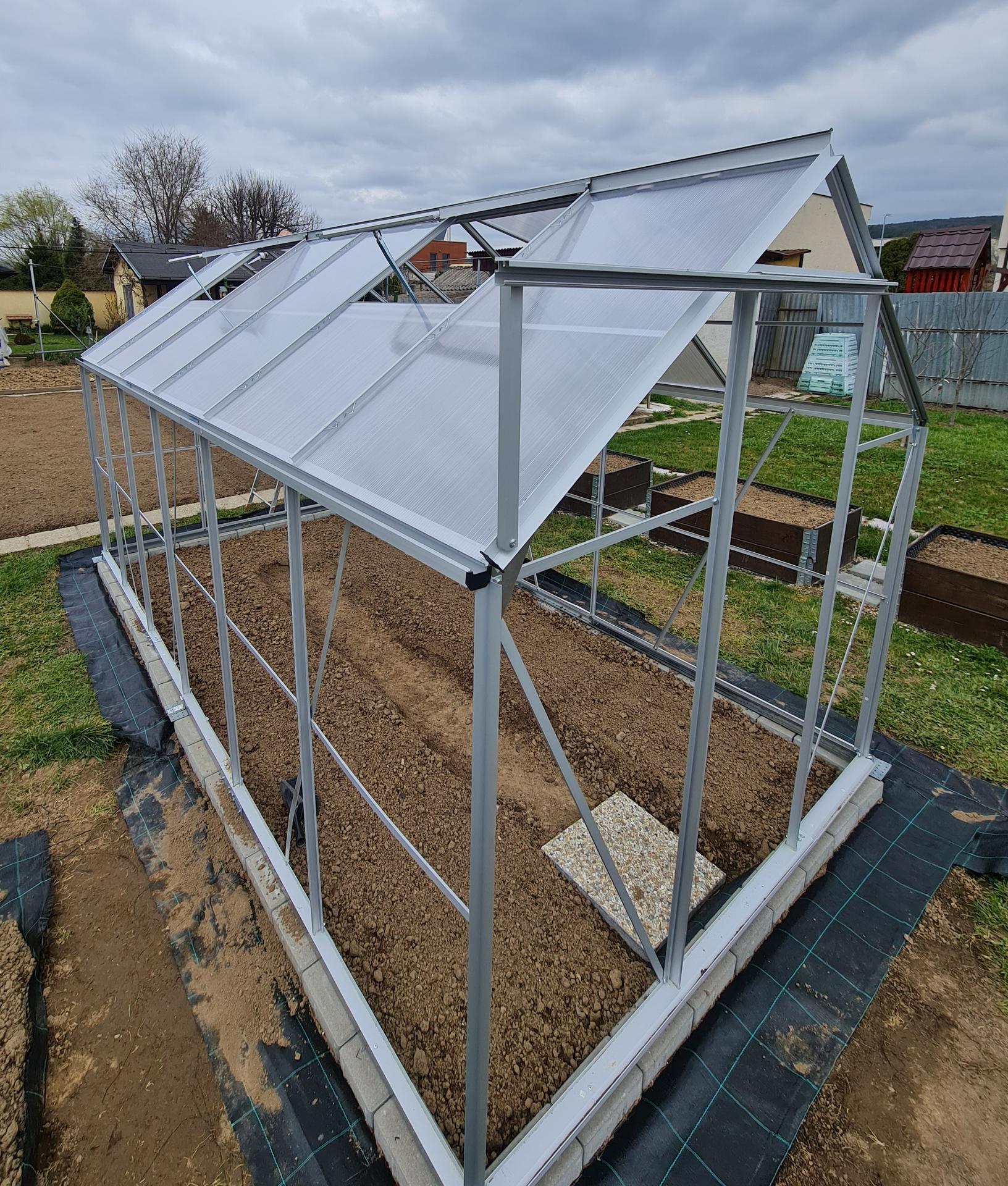 """Naše malé """"pole neorané"""" :o) záhradka 3. rok - ... skladačka ..."""