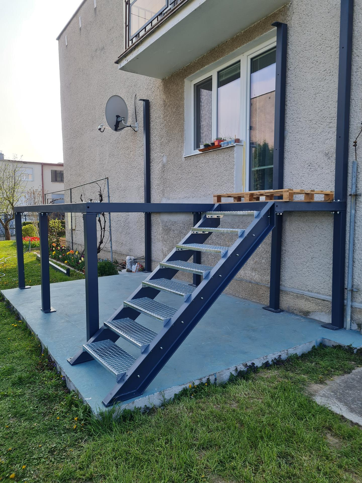 Premena balkóna na terasku - Obrázok č. 9