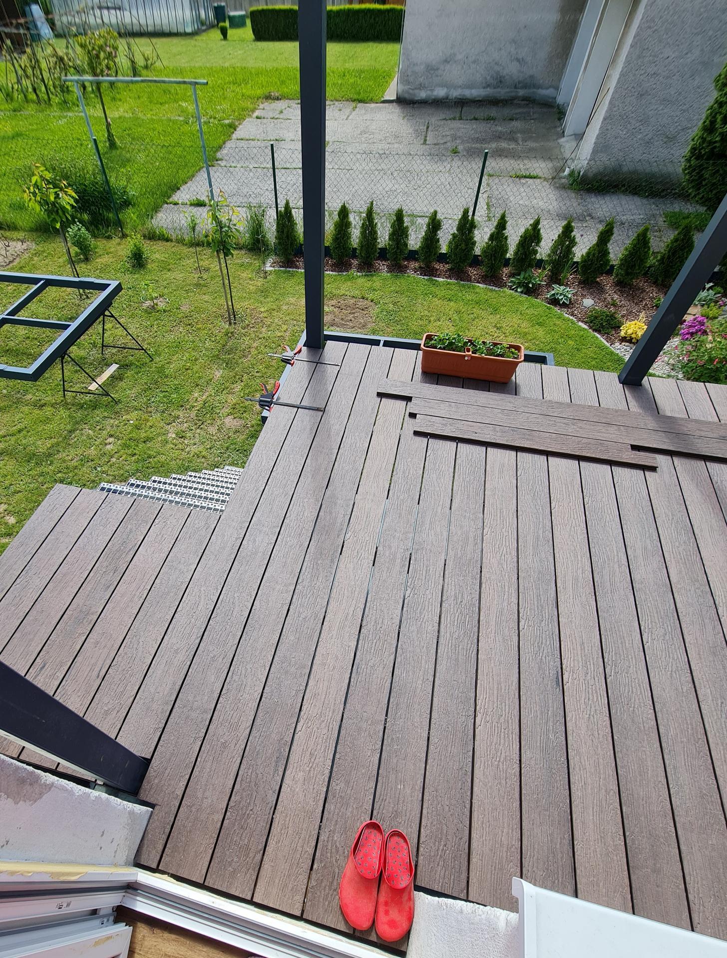 Premena balkóna na terasku - Obrázok č. 13