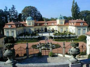 zámek Buchlovice..půjčeno od silviie..taky tu máme svatbu..díky ;-)