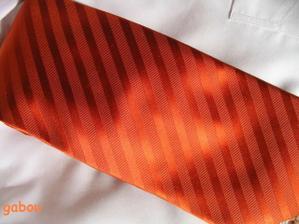 detail kravaty..krásně mění barvy..
