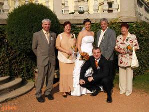 rodiče..vpravo moji a vlevo rodiče manžela