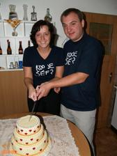 krájení dortu proběhlo až druhý den..trička jsme dostali od kamaráda :-D