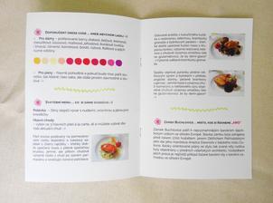 Vnitřek svatebních novin spolu s informací o menu, které bude a la carte.