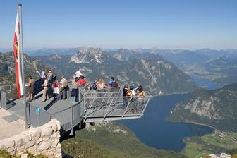 """A nad Hallstattem a Obertraun pak nádhernou vyhlídku """"5 prstů""""."""