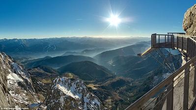 Výhled od ledovce z Dachsteinu