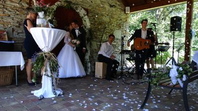 Závěr svatebního obřadu, jsme svoji!