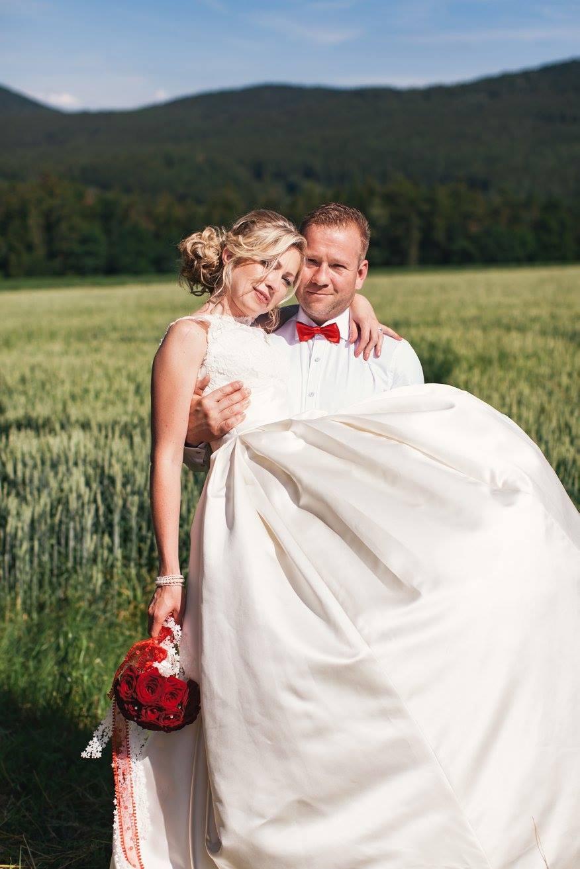 Líčení a účes nevěsty - svatba Statek Blaník - Obrázek č. 4