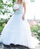 svadobné šaty s kamienkami a vlečkou, 37