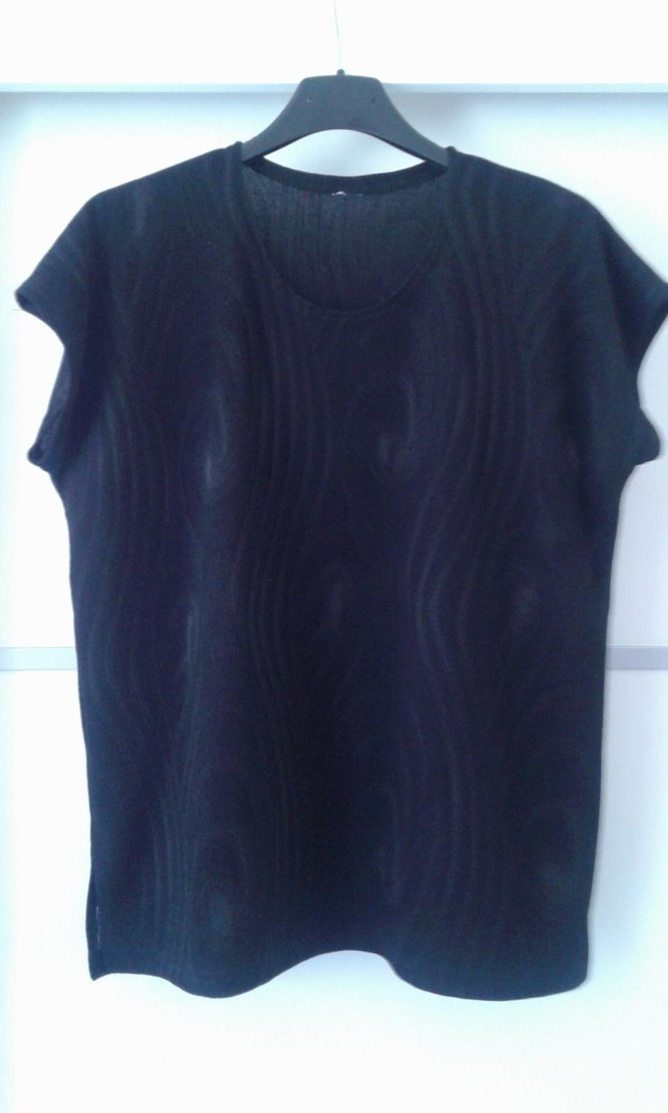 Čierny kostým - kabátik, top a sukňa č.L - Obrázok č. 3