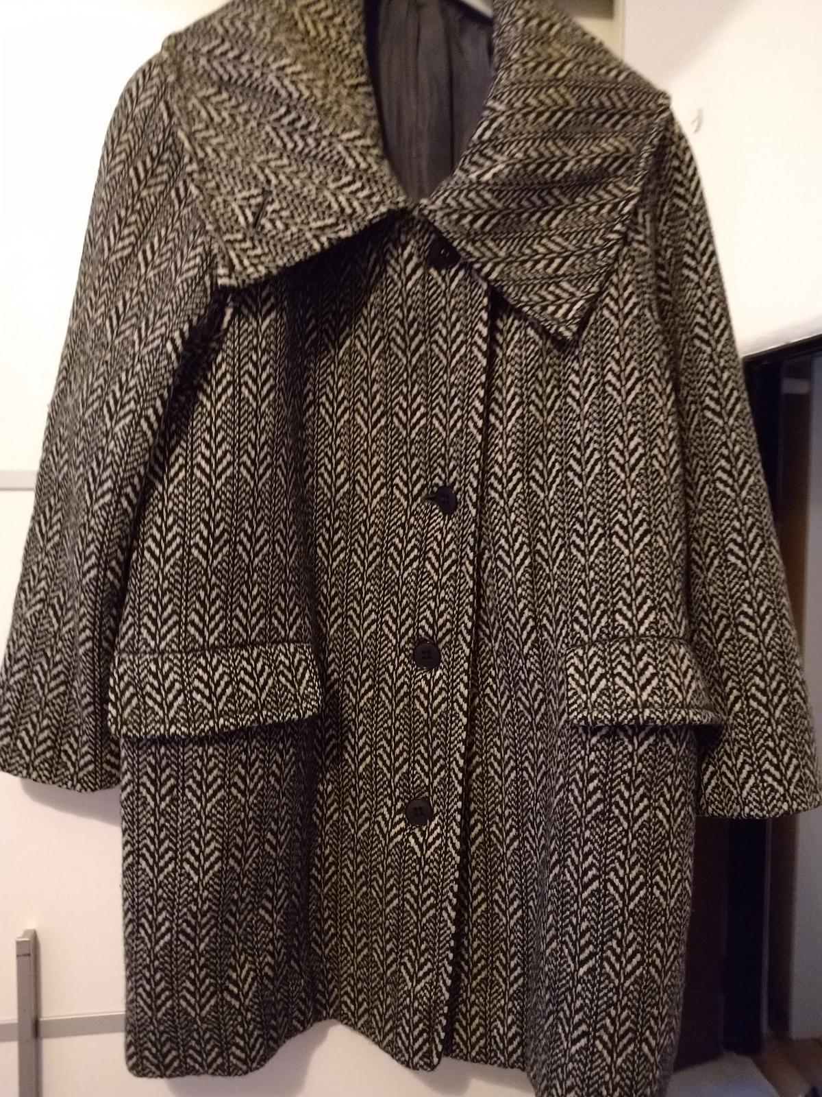 Čiernobiely kabát c.50 - Obrázok č. 3