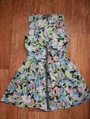 Květované šaty, 38