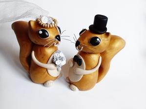 https://www.fler.cz/zbozi/veverkovi-figurky-na-svatebni-dort-9374201?pos=1
