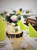 Vázičky a svícínky na rustikální svatbu,