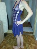 Krátké fialové šaty, 36