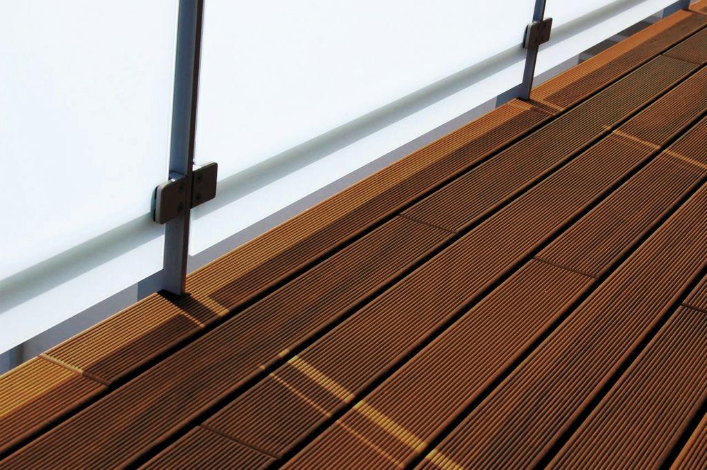 gumi - drevo na balkon