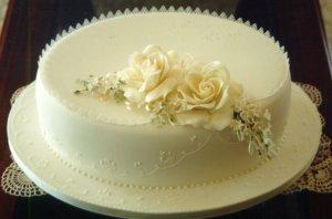 Zuzka a Maťko 19. 09. 2009 - jedna torta stacit nebude, tak sme dali urobit este jednu malu