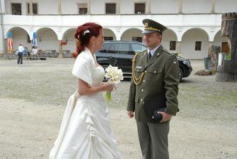 nevěsta s kaplanem