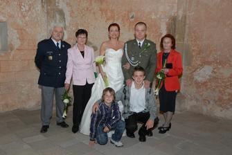 táta, máma, Honzíkova babička a synovci Daneček a Matýsek
