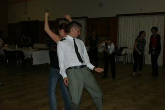 divoký taneček se svědkem
