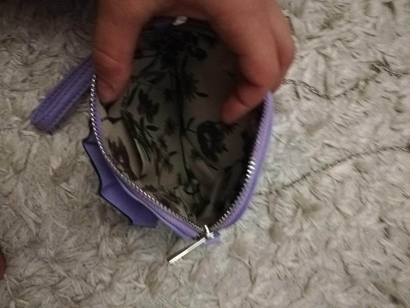 Fialkova kabelka - Obrázok č. 1