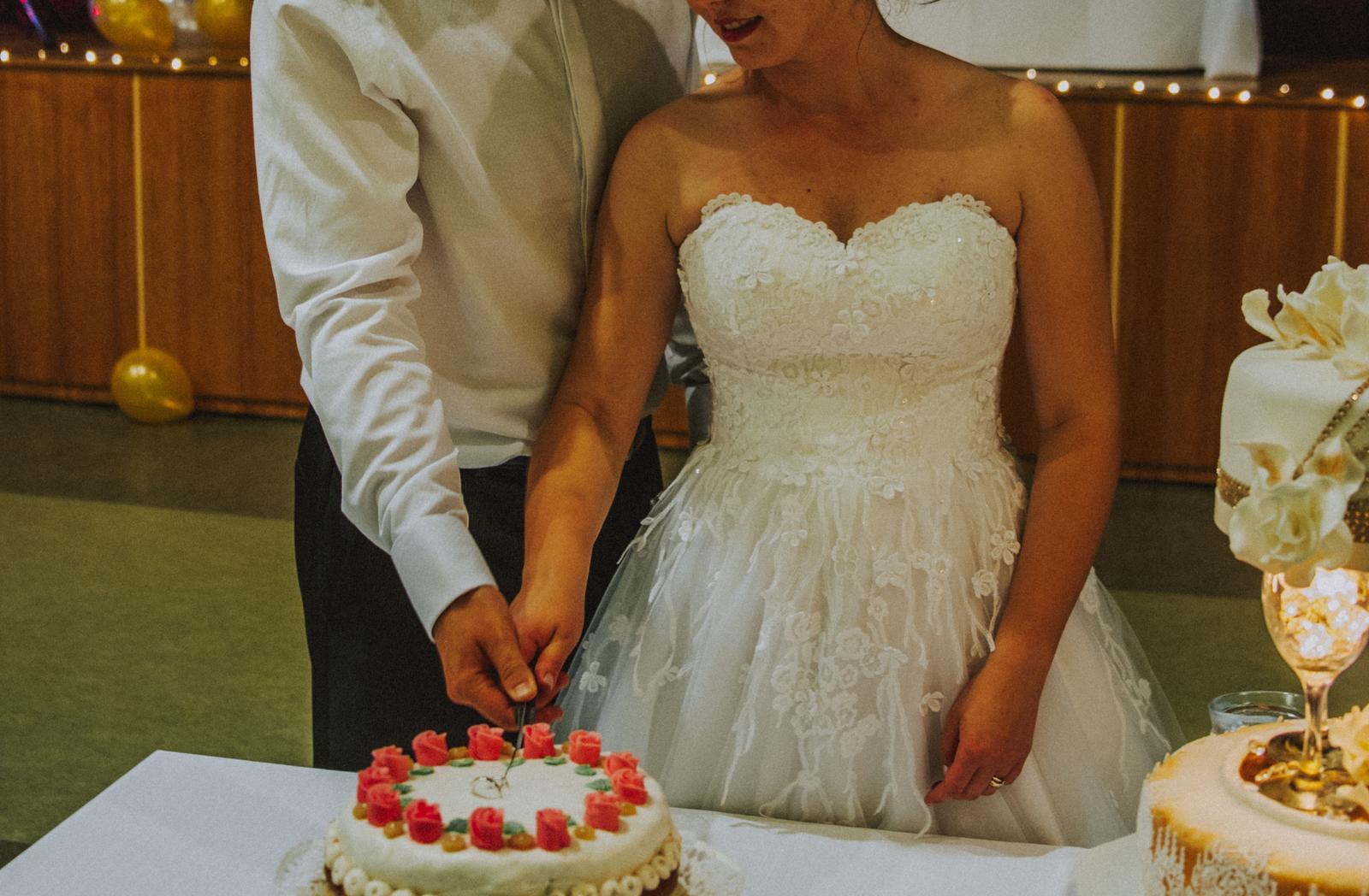 Kvetované svadobné šaty (36-40) Hadassa - Obrázok č. 3