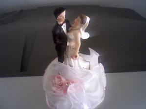 nevěsta a ženich na dort