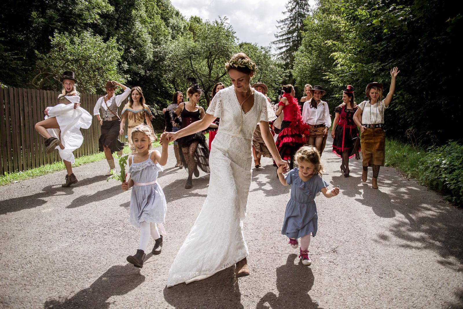 Prodám BOHO svatební šaty - Obrázek č. 4