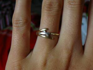 Zásnubní prsten, trošku větší, nu což...:-)
