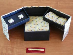 sada kravata-kapesníček-manž. knoflíky-spona