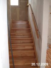 Konečně máme schody!