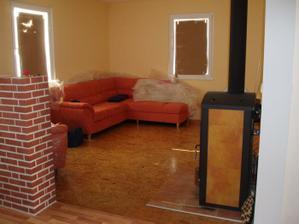 """První """"nábytek"""" - gauč"""