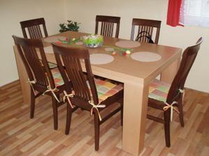 Konečně máme stůl a židle (ten ani nenadzvednu :-D )