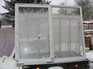 Montáž oken 6.1.2010 barva i okna super jen ti montážníci raději nekomentovat