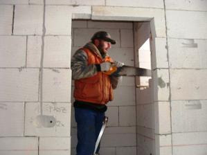 Montáž pidi okna ve spíži