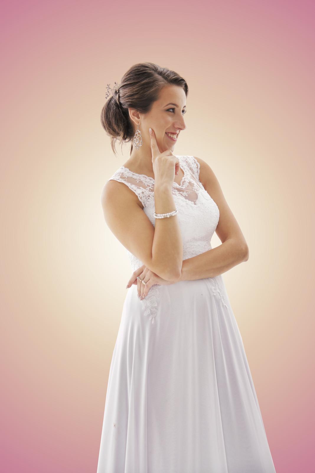 Elegantné svadobné šaty s luxusnou čipkou - Obrázok č. 1