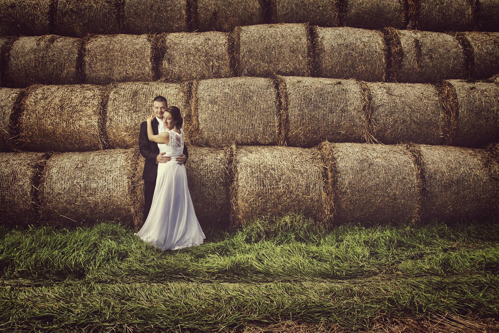 Elegantné svadobné šaty s luxusnou čipkou - Obrázok č. 2