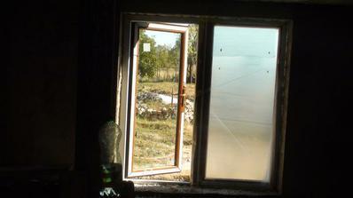 okno z kuchyne na terasu