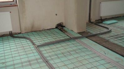 podlaha v jedalni